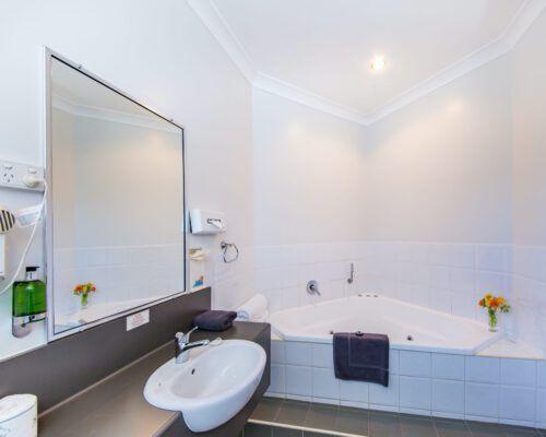 spa-room-kingaroy-hotel-7